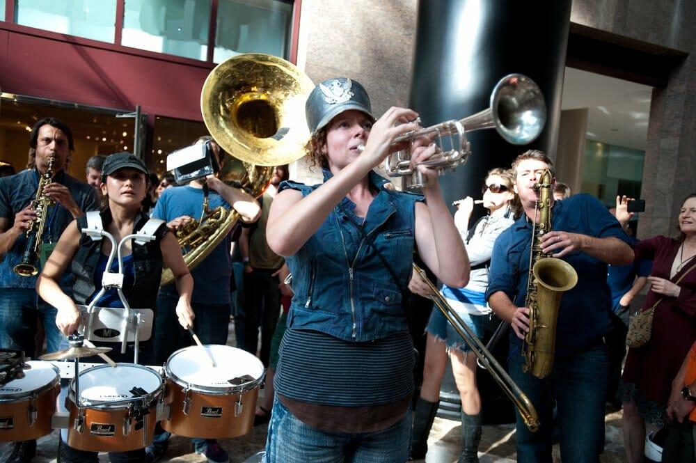 Asphalt Orchestra plays the Pixies New York New York